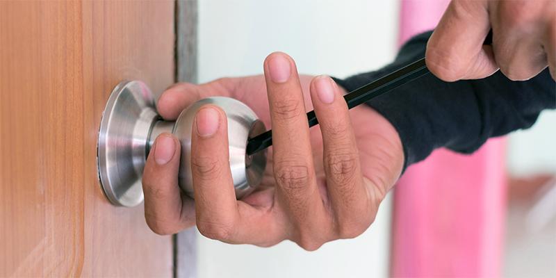 a locksmith - Frank Security Locks - Locksmith